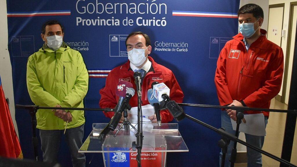 Polémica por intendente del Maule que recomendó congelar o comer pan duro ante la cuarentena en Curicó